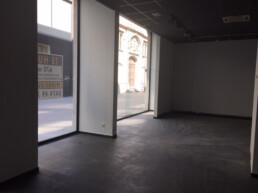 Commercieel gelijkvloers 670m² vlak aan de Handelsbeurs