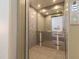 Ruim, volledig nieuw gerenoveerd appartement 2 slaapkamers + terras op toplocatie